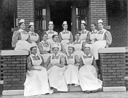 deaconesses at bethel hospital in Newton kansas 1911