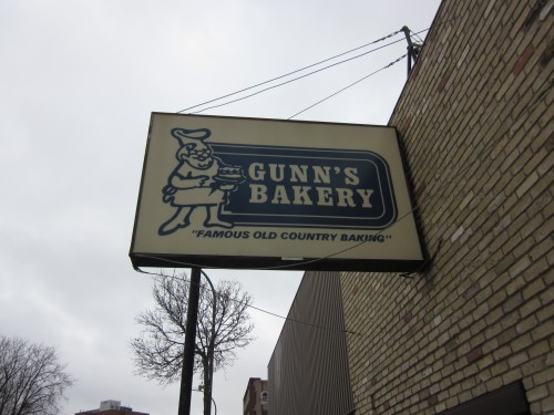 gunn's bakery sign