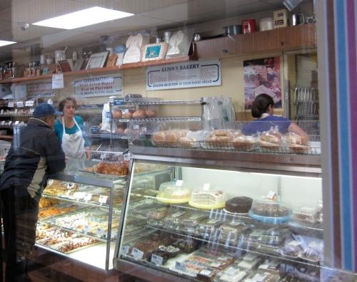 customer gunn's bakery