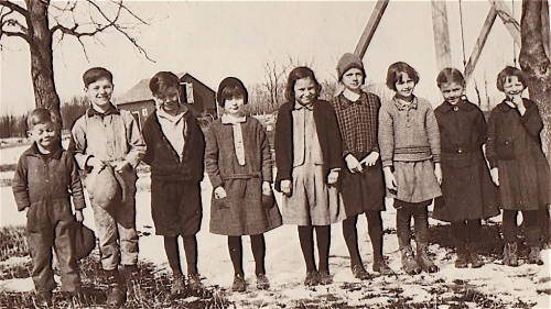 Dorothy Marie in grade one. She is third from the end on the right