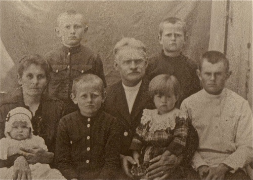 My husband's mother's family just before leaving from Lichtenau. His mother Anne is the little girl on her mother's lap.