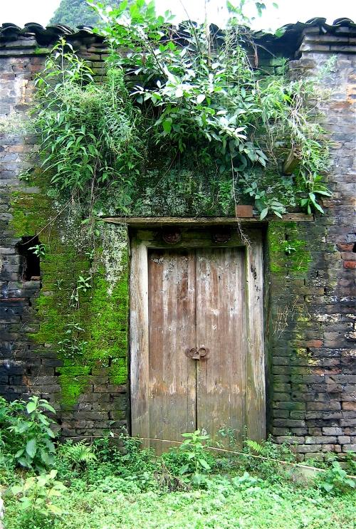 door in yangshou china