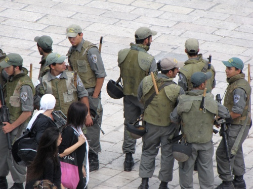 armed soldiers at the Wailing Wall in Jerusalem May 21, 2010