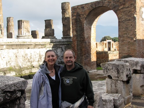 canadian tourists in pompeii