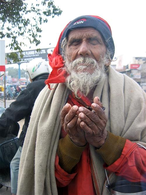 blind beggar in dehli india