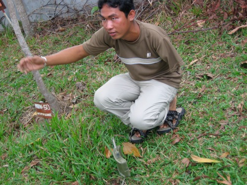 guide showing land mines cambodia