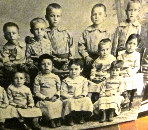 residential school children photo at the heard musuem