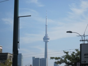 the cn tower toronto