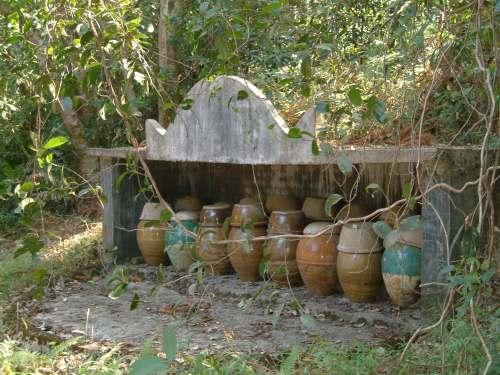 funeral pots 023