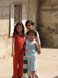 children in palestinian refugee camp
