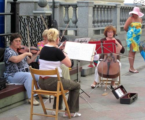 Musicians on the Yalta Promenade