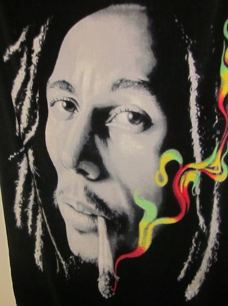 bob-marley-smoking-marijuana
