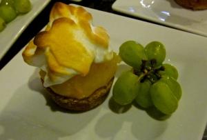 lemon meringune tea cakes