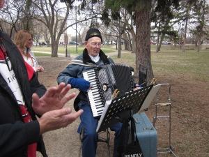 accordion player ms walk
