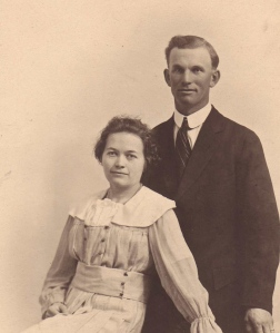 Peter and Annie Schmidt in 1917