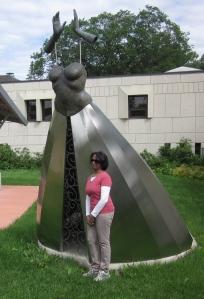le promise sculpture garden st. boniface