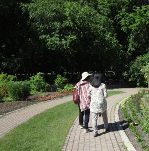 walking assiniboine park