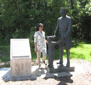 winnie hte pooh statue assiniboine park