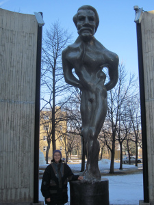 louis riel st. boniface statue