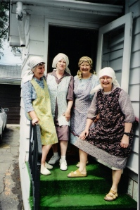 aunts in aprons