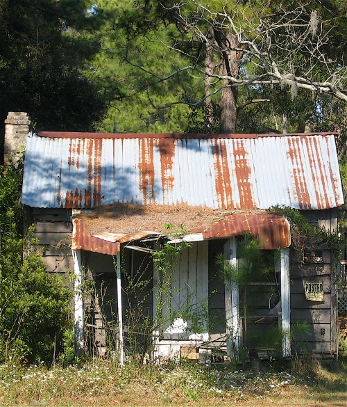 We were on a trip to Savannah Georgia when I photographed this abandoned house