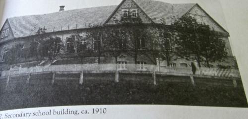 high school in schoenfeld