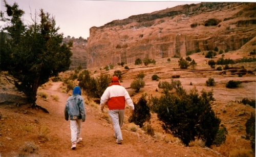 Hiking Canyon De Chelly- 1990