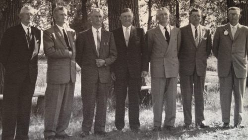 grandpa Henry, Daniel, Paul, Diedrich (grandpa), Cornie, John, Jake. They are lined up in order of age, oldest on the left. Grandpa was the last to go.