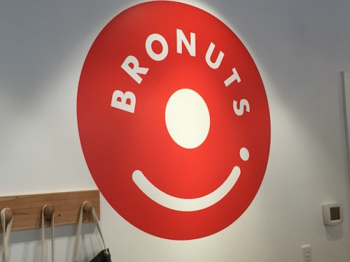 bronuts logo