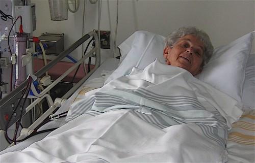 mom in hospital