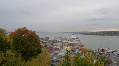 cruise-ship-in-harbor-qc
