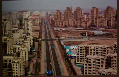 empty-city-near-tianjin-photo-by-ninon-pednault-la-presse-e1445252152624