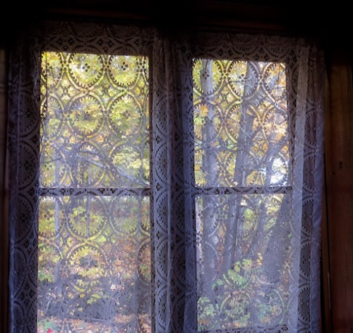 lace curtains in window quebec