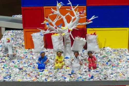 sorting-plastic-in-mumbai-by-karine-giboulo-jpg