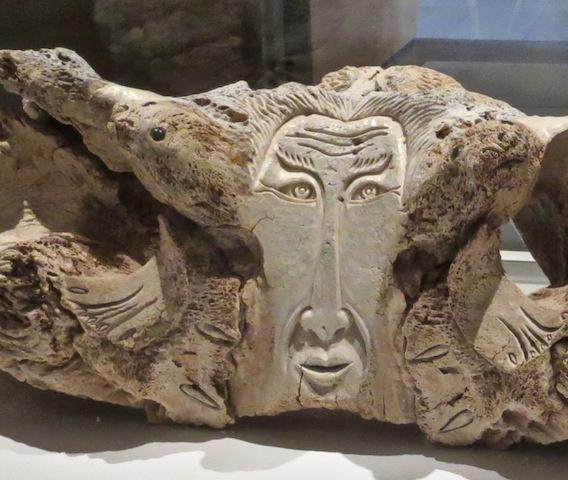 sculpture-detail-manasie-akpaliapik