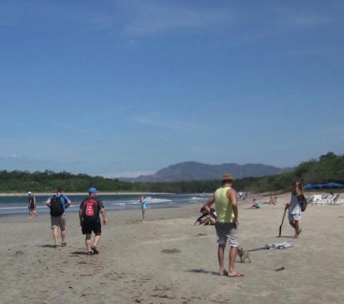beach-walk-costa-rica