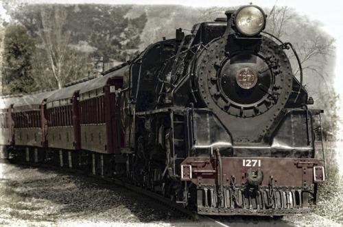 locomotive-pixabay