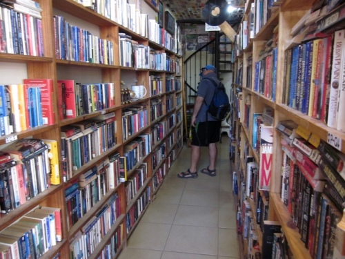 looking for books tamarindo