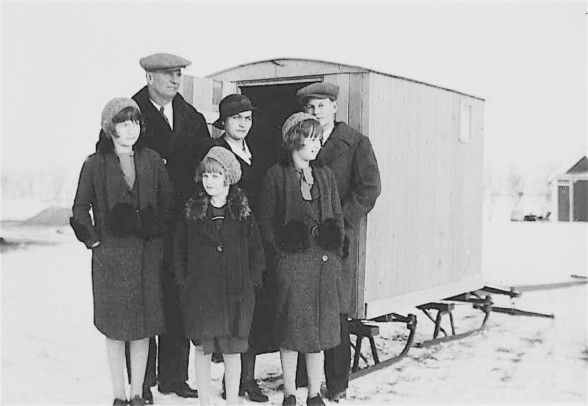 mom' s family sleigh