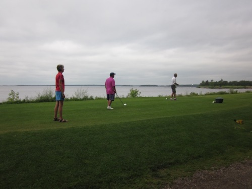 golfing in Lac du Bonnet