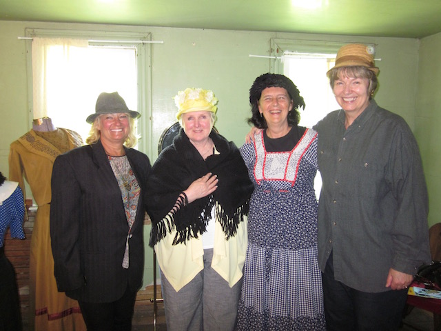 mennonite dress up