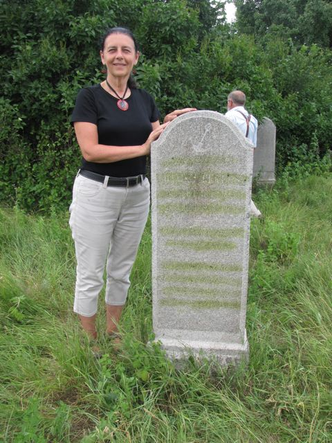 me with great grandfather's tombstone