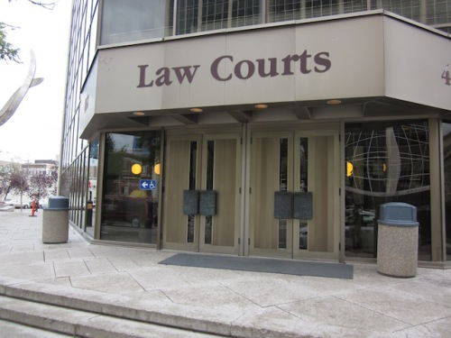winnipeg law courts building