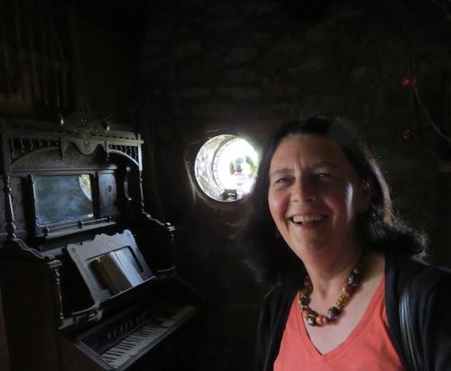 organ-mystery-castle