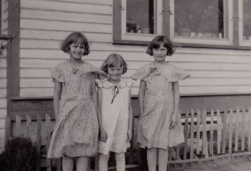 mom and sisters oct 1934