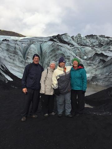 group photo glacier vik