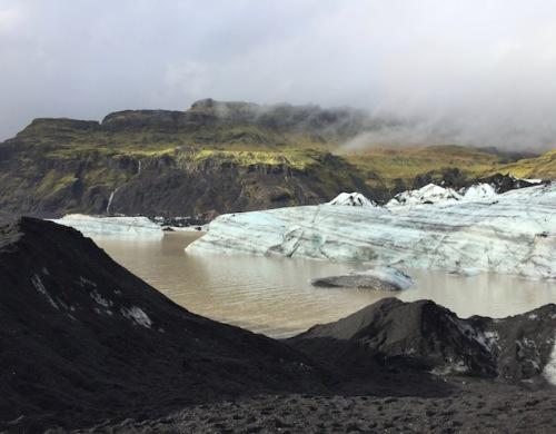 hiking to vik glacier