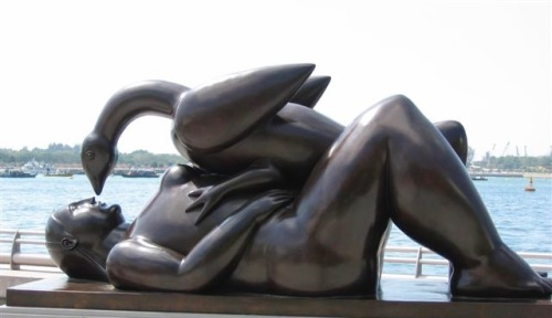 statue of leda and the swan singapore
