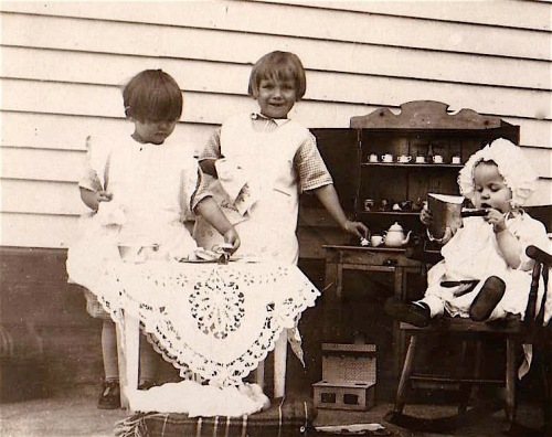 prairie girls playing house