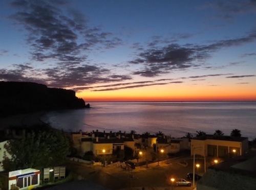 sunrise praia da luz